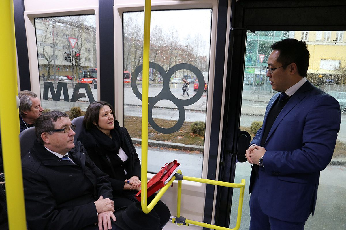 The electric bus comes to town