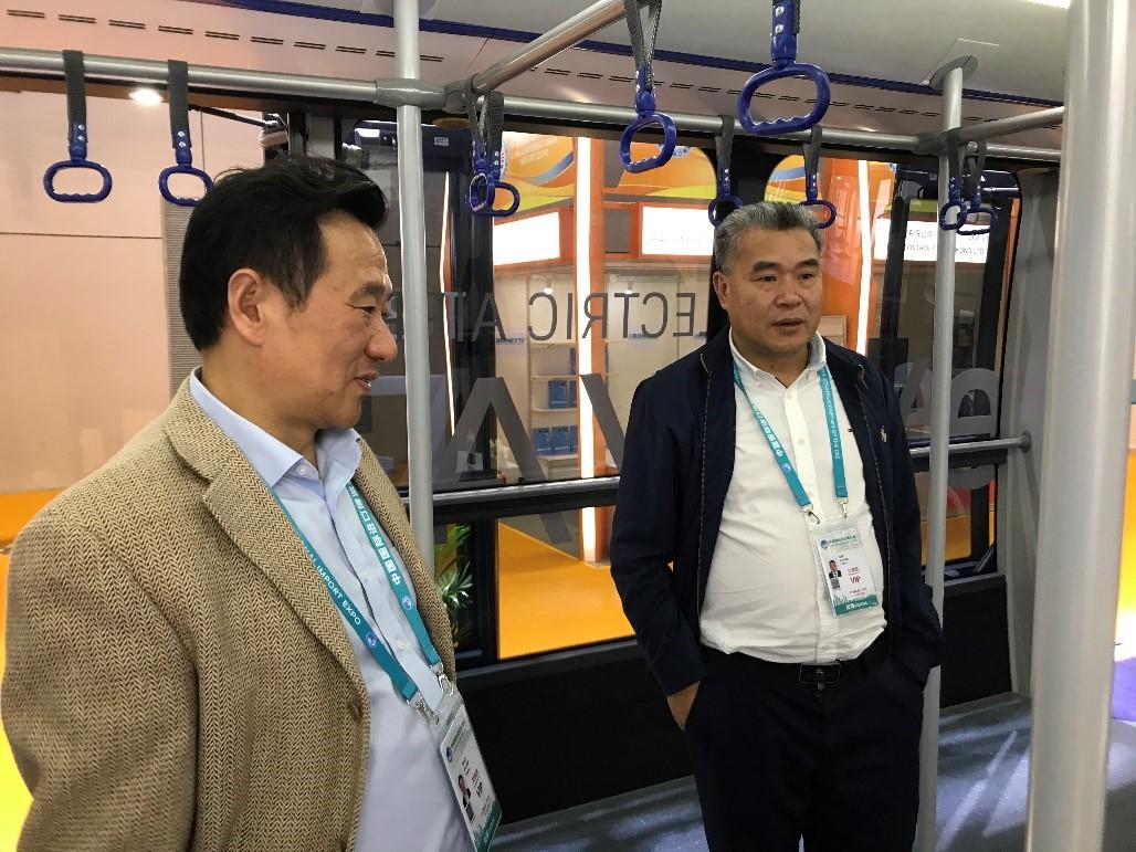 Mr. Zheng Xiangping, General manager of Zhejiang Airport Group and Mr. Zhu Qian, Deputy general manager